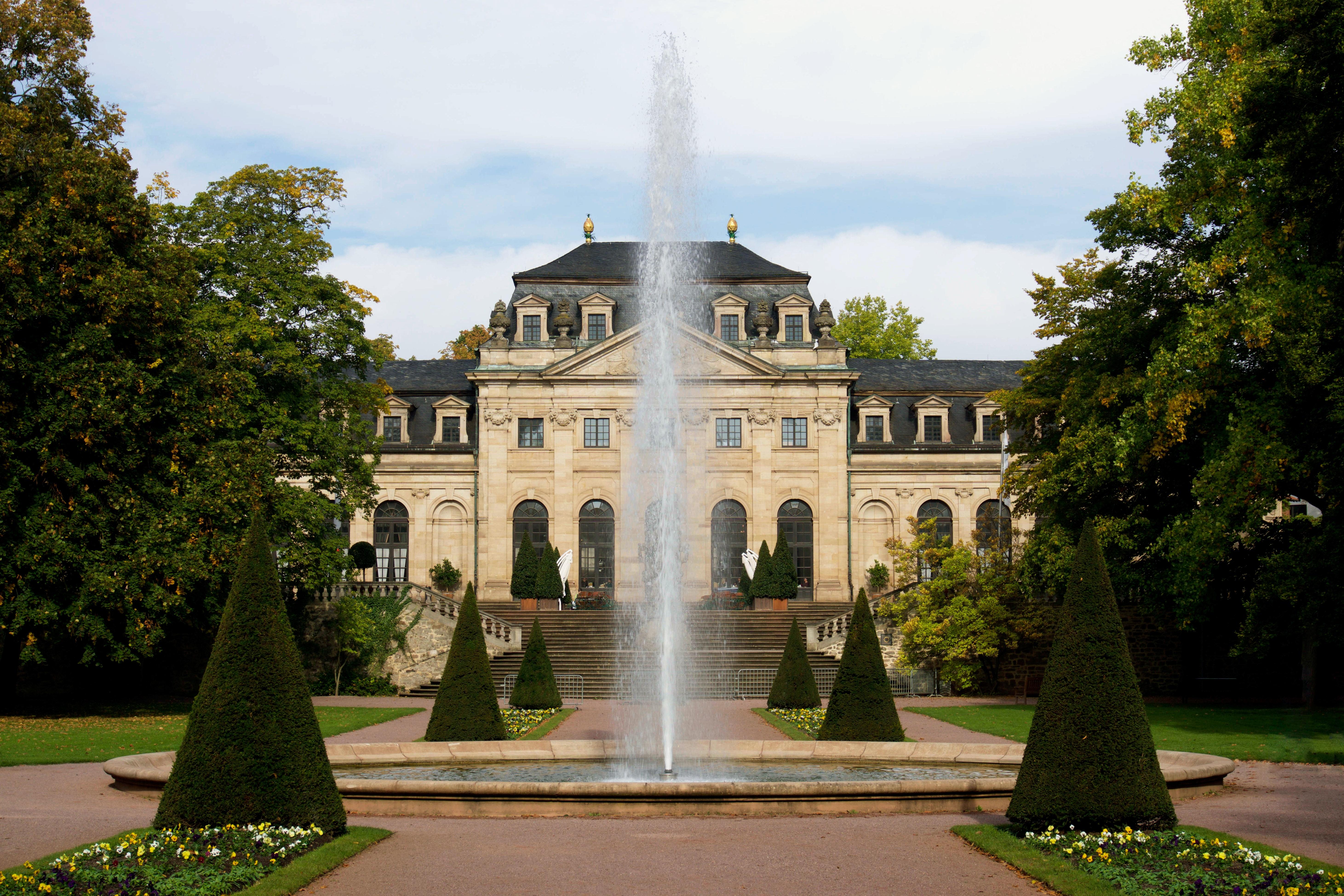 park-historical-castle-fountain-87378